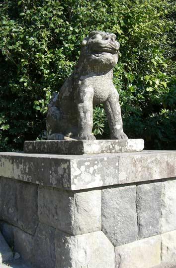 今月の狛犬No.105~手水鉢・鳥居...